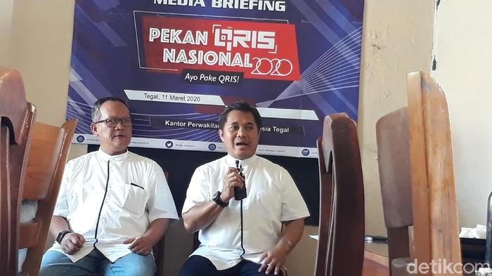 Kepala Perwakilan Bank Indonesia Tegal memberikan keterangan kepada wartawan