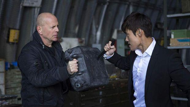 Bruce Willis Marah-marah soal Film 'Red 2' yang Tayang di Trans TV Malam Ini