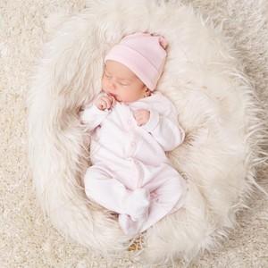 42 Peralatan Bayi Baru Lahir yang Harus Disiapkan