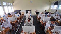 Dana BOS Langsung Masuk Rekening Sekolah, Ini Kata Guru Honorer