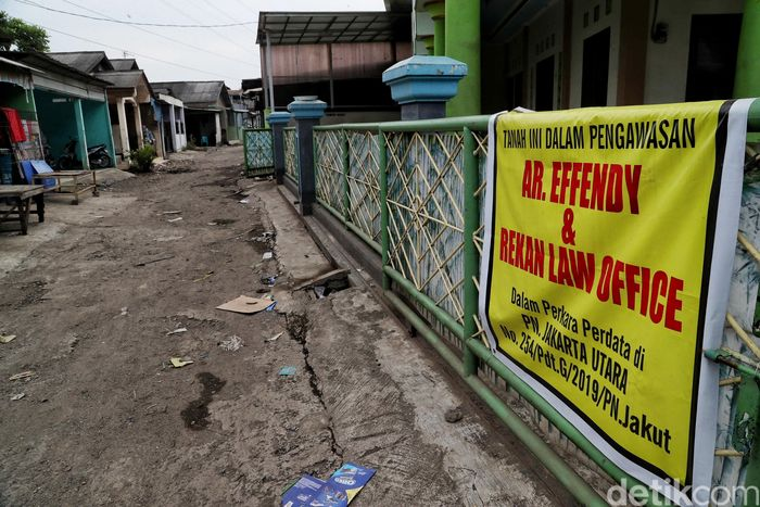 Salah satu kampung yang terdampak ada dikawasan Semper Barat di RT 16 RW 04, yang kena pembangunan proyek Tol Cibitung Cilincing, Jakarta Utara.