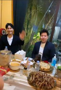 Penuhi Janji, Raffi Nagita Menjamu Siwon Choi dengan Makanan Khas Indonesia