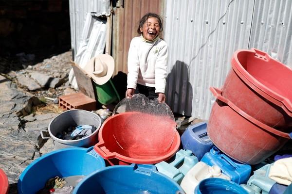 Tak ada orang yang mengumpulkan sampah di La Rinconad. Pria dan wanita sibuk mengumpulkan emas, mempertaruhkan hidup mereka dalam kemelaratan di udar dingin pegunungan.