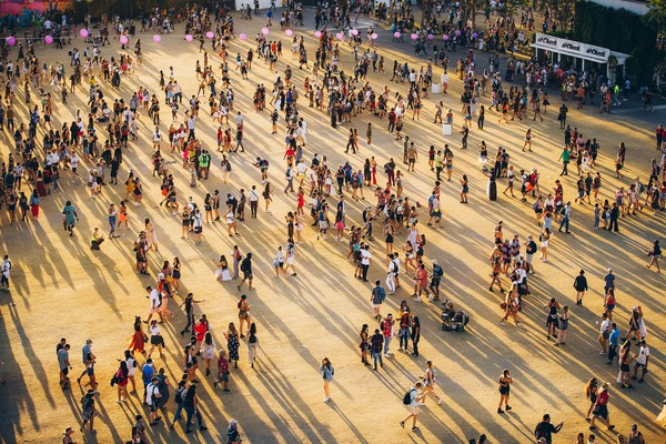 Festival musik yang kerap menampilkan berbagai musisi dunia itu terancam batal usai adanya petisi yang menyerukan agar festival musik tersebut dibatalkan guna mencegah penyebaran virus corona. Getty Images/Rich Fury.