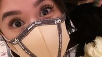 Virus Corona Pandemi, Crazy Rich Asians Ini Bikin Masker Merek Hermes