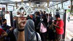 Menengok Aktivitas Penumpang KRL Jakarta-Bogor