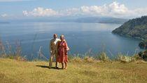 Momen Wisata Raja dan Ratu Belanda di Danau Toba