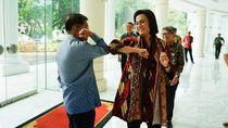 Dear Pejabat-pejabat Indonesia, Pimpinan WHO Tak Anjurkan Salam Siku