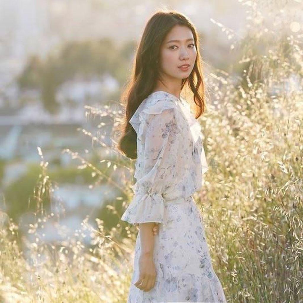 IU hingga Park Shin Hye, Seleb Paling Populer di Instagram
