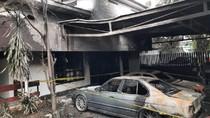 Teror Molotov Misterius Bakar 2 Mobil di Kayu Putih