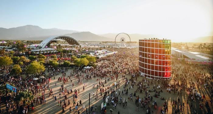 Penyebaran COVID-19 yang terus meluas ke berbagai negara di dunia membuat sejumlah acara dibatalkan maupun ditunda. Festival apa saja yang terdampak corona?