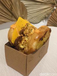 Roti Panggang Gaya Korea Ada di Kafe 'Toast' Instagramable Ini