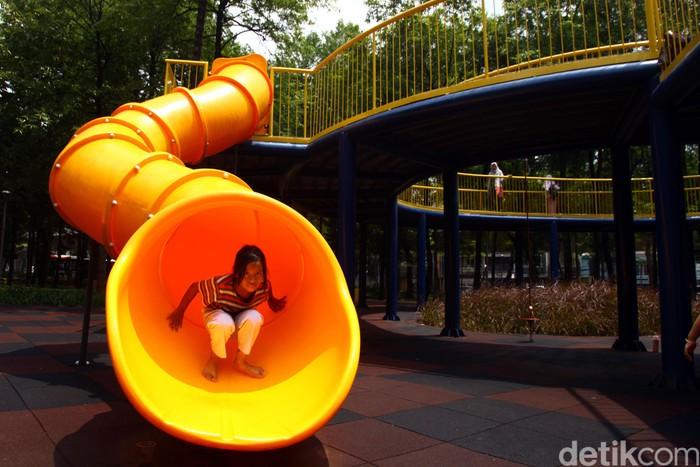 Pascarevitalisasi, Taman Puring dengan wajah baru kini makin eksis. Desain taman yang nyaman, ramah anak dan menarik menjadi sorotan tersendiri bagi masyarakat.
