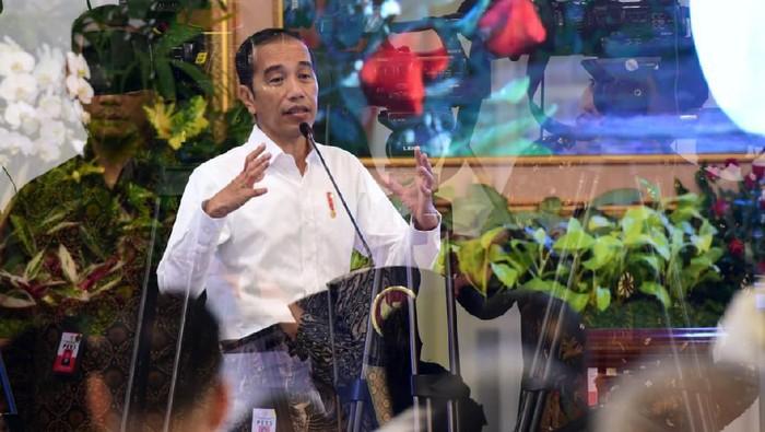 Masih terkait Corona, Jokowi mengaku menambah dosis mengkonsumsi jamu dari sehari sekali, menjadi 3 kali sehari. Istimewa/Dok. Biro Pers Setpres.