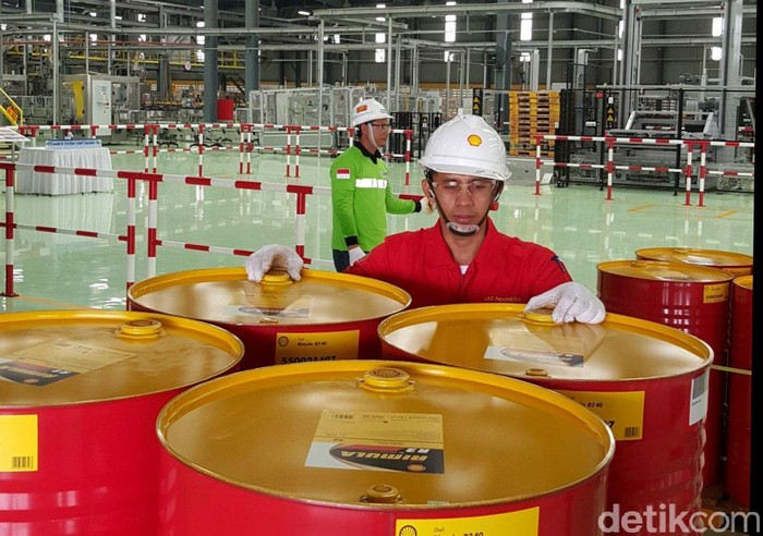 Produsen pelumas mulai melirik pasar di luar Pulau Jawa. Salah satunya Shell Indonesia yang tengah membidik wilayah tersebut.