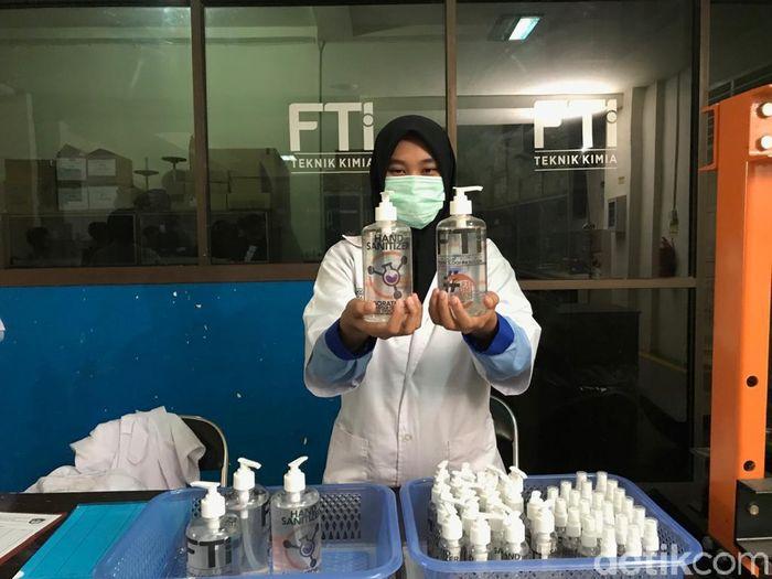 Hand Sanitizer Mahal, Mahasiswa UMI Makkasar Bikin Sendiri dari Lidah Buaya