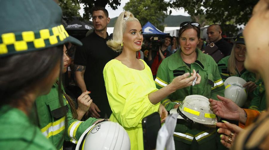 BRIGHT, AUSTRALIA - MARCH 11: Katy Perry poses for a selfie on March 11, 2020 in Bright, Australia. The free Fight On concert was held for for firefighters and communities recently affected by the devastating bushfires in Victoria. (Photo by Daniel Pockett/Getty Images)