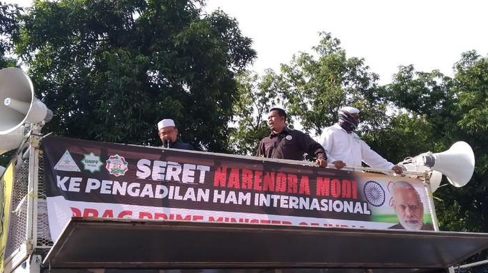 Demo di depan Kedubes India (Wilda Hayatun Nufus-detikcom)