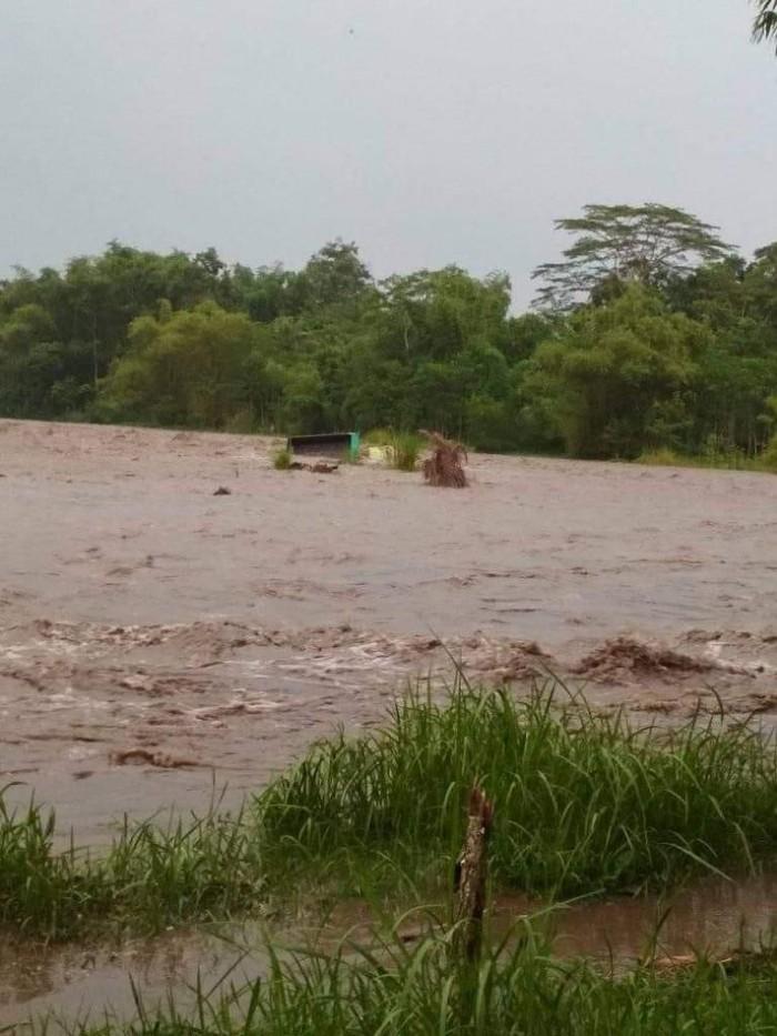 Banjir Lahar Dingin dari Gunung Semeru