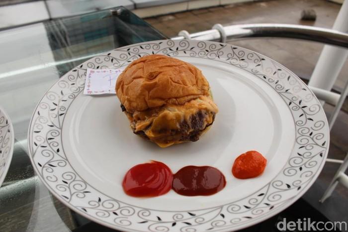 review burger mahal vs murah