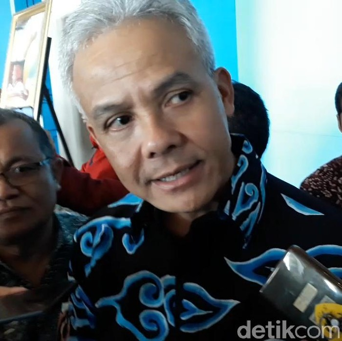 Gubernur Jateng, Ganjar Pranowo saat bicara soal pasien positif Corona yang meninggal di Solo, Jumat (13/3/2020).