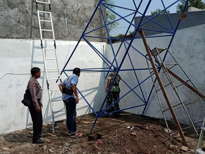 Pekerja Pembuat Tandon Air Tewas Tersengat Listrik