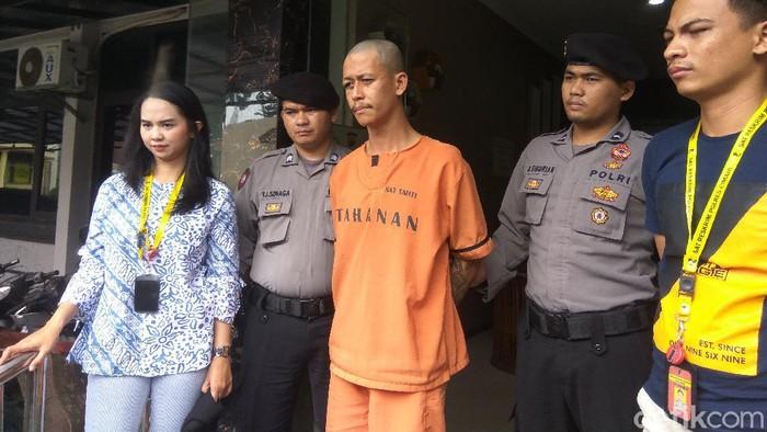Polisi tetapkan Rangga Mulyana (25) tersangka pencabulan-perkosaan anak kandung.