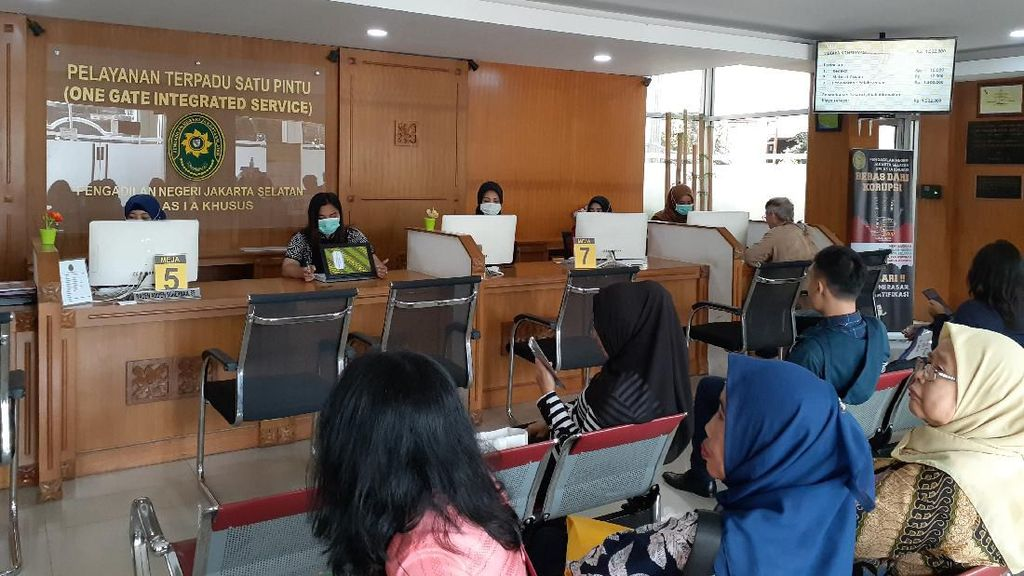 Cegah Corona, PN Jaksel Bolehkan Pengunjung Pakai Masker di Ruang Sidang