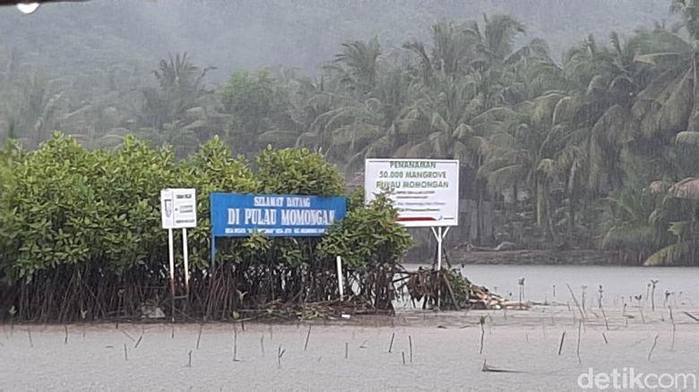 Pulau Momongan Cilacap