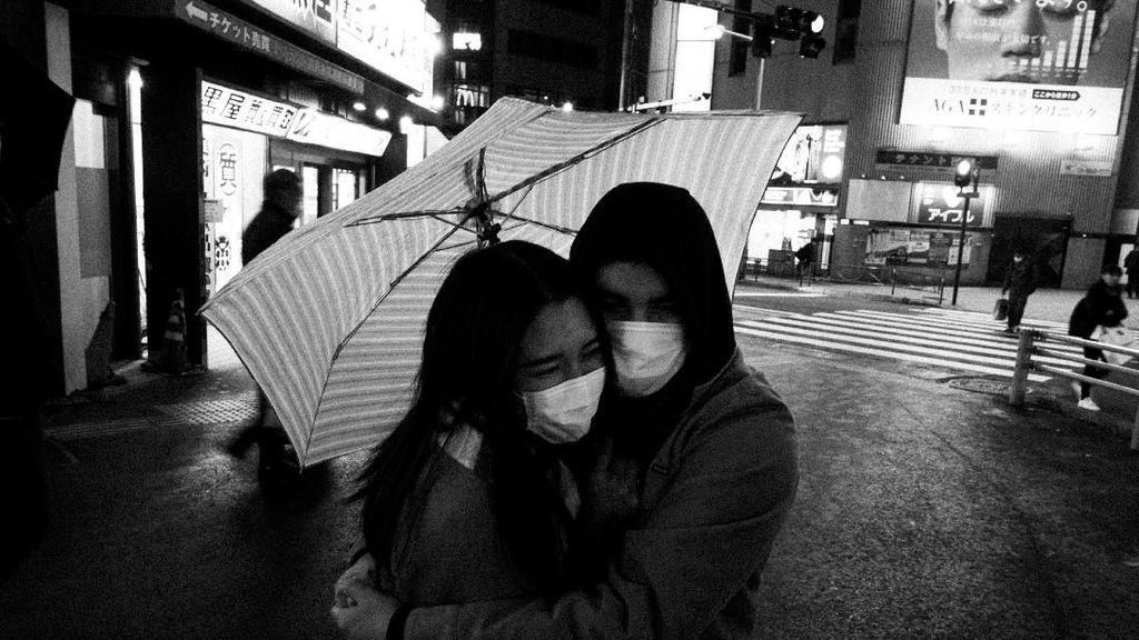 Pandemi Corona di Tokyo Dalam Bingkai Foto Hitam Putih