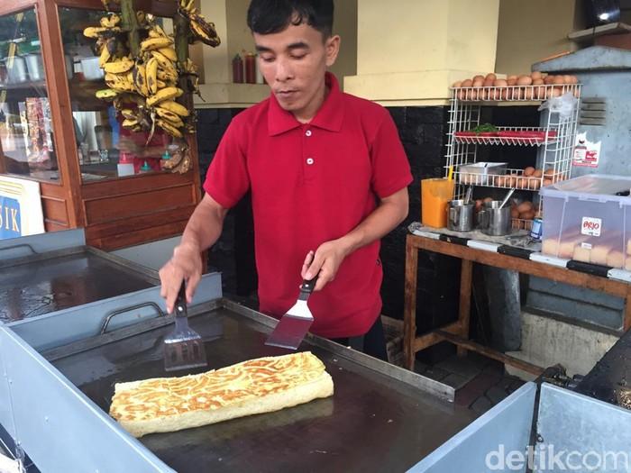Roti john di Kedai Kaji Osing