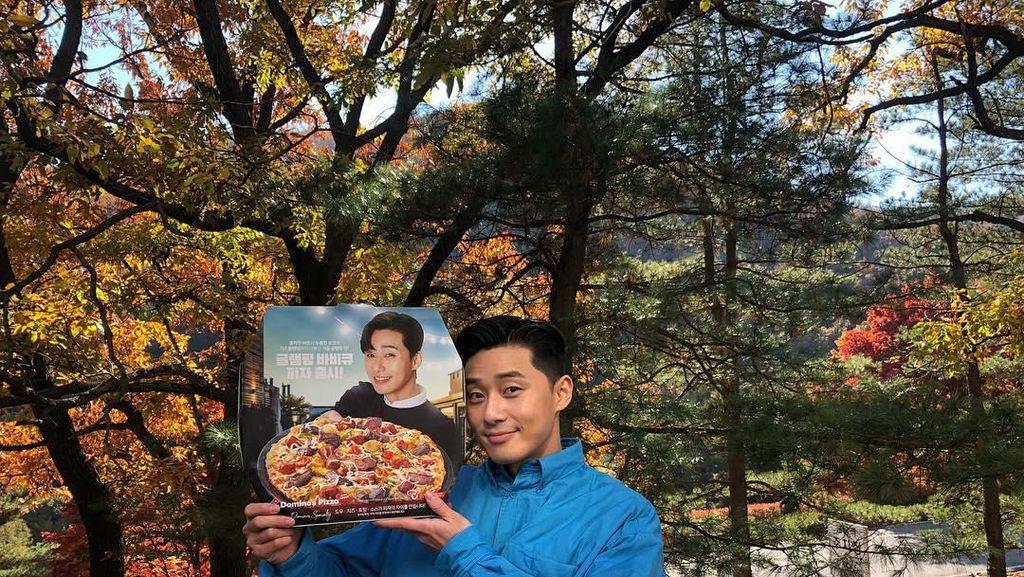 Main di Itaewon Class, Begini Tampannya Park Seo Joon Saat Makan Es Krim