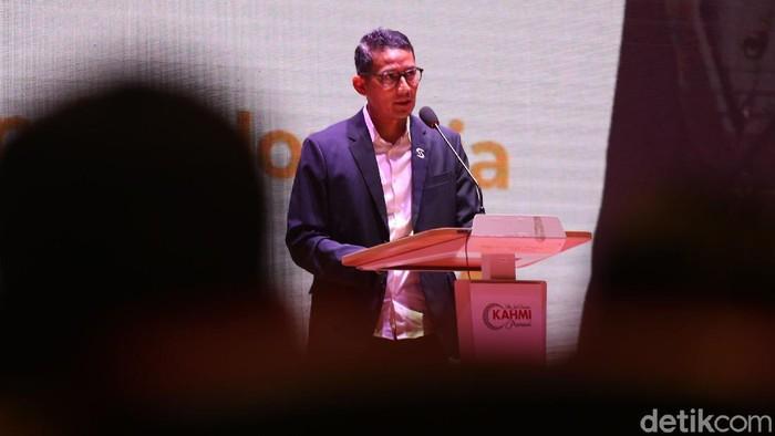 Sandiaga Uno hadir dalam diskusi Opposition Leaders Economic Forum di Jakarta. Acara itu membahas Selamatkan Ekonomi Indonesia di Tengah Krisis COVID-19.