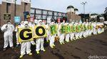 Aksi Tolak Nuklir di Depan DPR