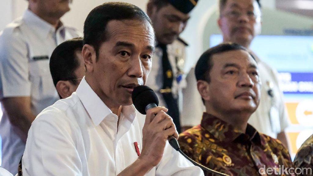 Jokowi Buka-bukaan Penanganan Corona di Indonesia