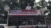 Pimpin Aksi dari Atas Mobil Komando, Ketum FPI Serukan Usir Dubes India
