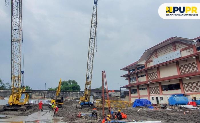 Revitalisasi Pasar Klewer Timur, Surakarta, Jawa Tengah dikebut. Targetnya, pada Juli mendatang proses pembangunan sudah rampung.