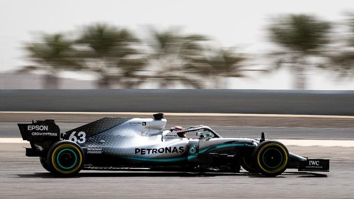 BAHRAIN, BAHRAIN - APRIL 03: George Russell of Great Britain driving Mercedes AMG Petronas F1 Team Mercedes W10 during F1 testing in Bahrain at Bahrain International Circuit on April 03, 2019 in Bahrain, Bahrain. (Photo by Lars Baron/Getty Images)