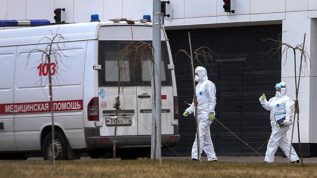 Kaum Lansia Moskow Diperintahkan Tinggal di Rumah untuk Cegah Virus Corona