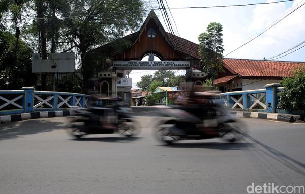 Kebijakan penutupan tempat wisata yang dikelola pemprov itu pun diungkapkan oleh Anies pada sore hari ini di Balaikota DKI Jakarta.