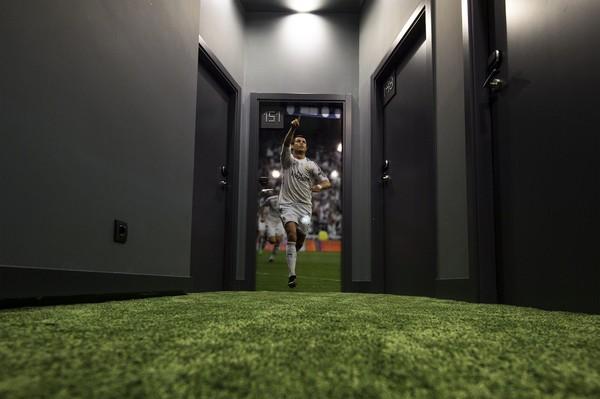 Dilansir detikTravel dari Marca, Minggu (15/3/2020), salah satu hotel milik Cristiano Ronaldo yang sudah pasti akan diubah jadi rumah sakit sementara untuk pasien Corona adalah Pestana C47 Funchal.