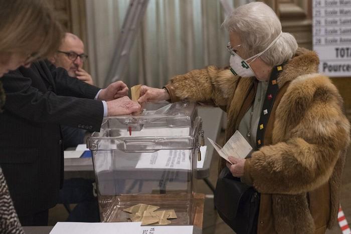 Pemilu lokal putaran pertama di Prancis tetap diselenggarakan. Pemilu tersebut tetap digelar Minggu (15/3) ini meski di tengah pandemi corona.