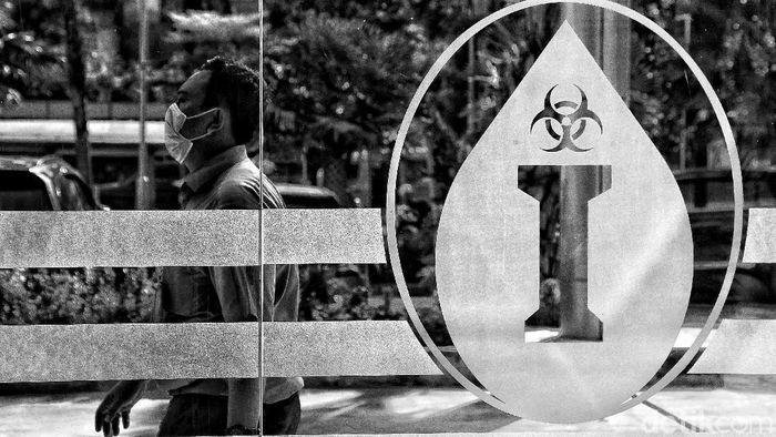 WHO menyatakan virus corona COVID-19 sebagai pandemi. Pasalnya virus corona telah menyebar ke ratusan negara di dunia, tak terkecuali Indonesia.