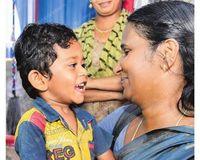 Sekolah Diliburkan, Guru Tetap Kirimkan Makanan Gratis untuk Anak Didik