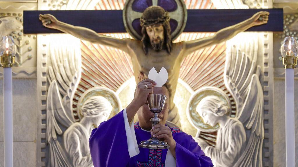 Antisipasi Corona, Gereja di Filipina Terapkan Ibadah Online