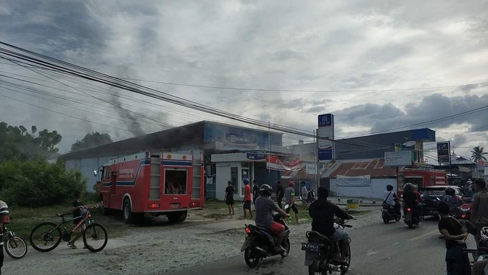 Kantor Bank di Ampana Sulteng Dilempar Molotov, Polisi Turun Tangan