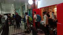 Viral Video TKA di Bandara Haluoleo, Kapolda: Mereka Pulang dari Perpanjangan Visa