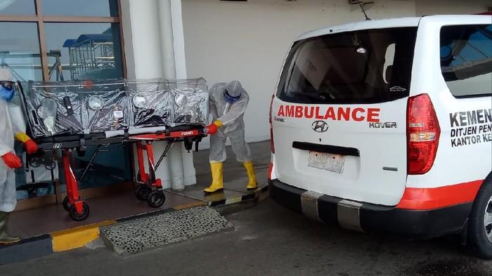 WN Malaysia di Bandara Minangkabau dievakuasi.