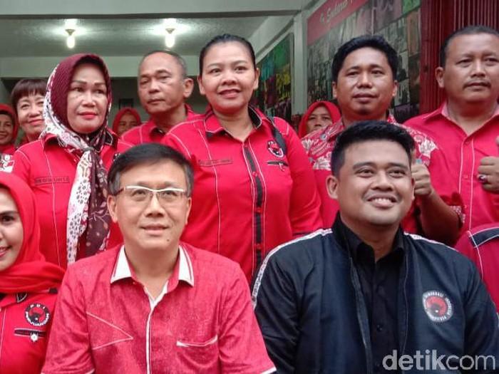 Bobby Nasution berjaket hitam (Ahmad Arfah/detikcom)