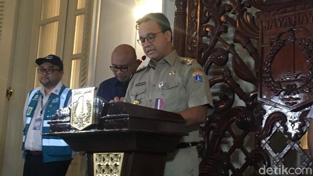 Ekspresi Anies Ungkap Kurang dari 1 Bulan 283 Warga DKI Dimakamkan